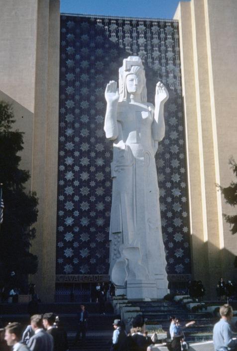 "(1939) Looking north in Court of Pacifica, GGIE (Herbert ""Bud"" Stewart photo)"